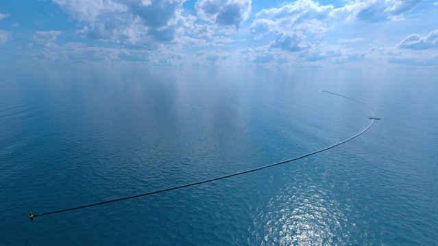 sistema Ocean Cleanup, desplegado
