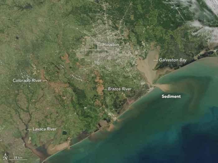 sedimentos en los ríos tras el huracán Harvey