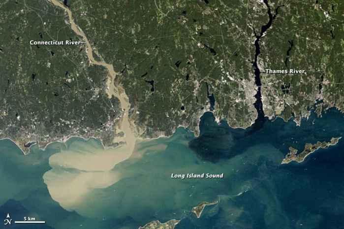sedimentos en los ríos tras el huracán Irene