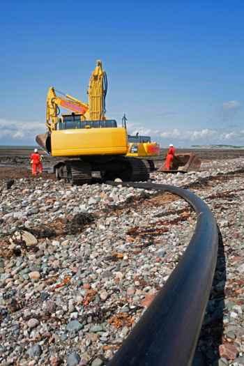 cable eléctrico en la costa