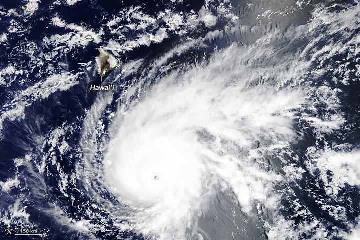 huracán Lane desde satélite