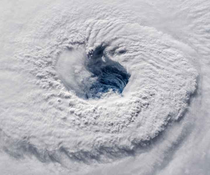 ojo del huracán Florence desde la ISS el 12-09-2018