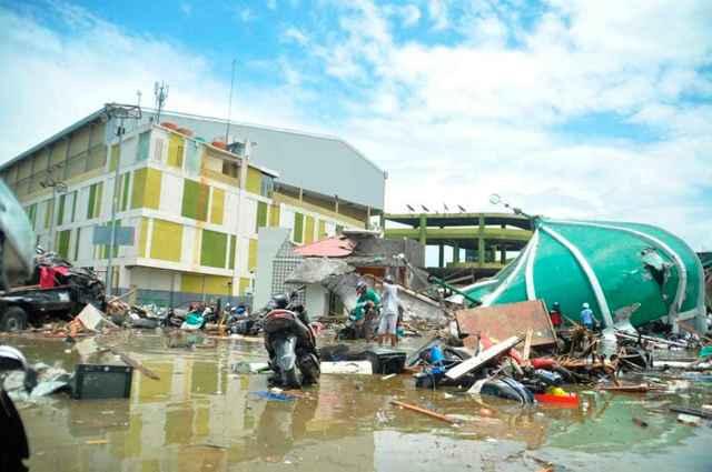 efectos del tsunami en Palu, Sulawesi