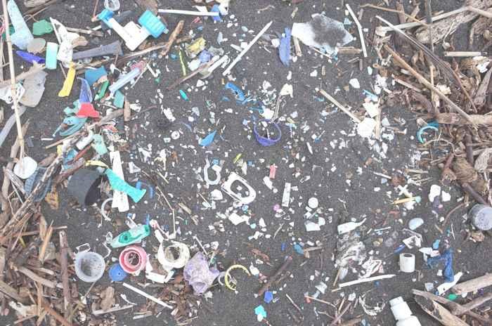 plásticos en la isla St Helena