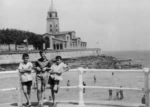 En la playa de Gijon 1966