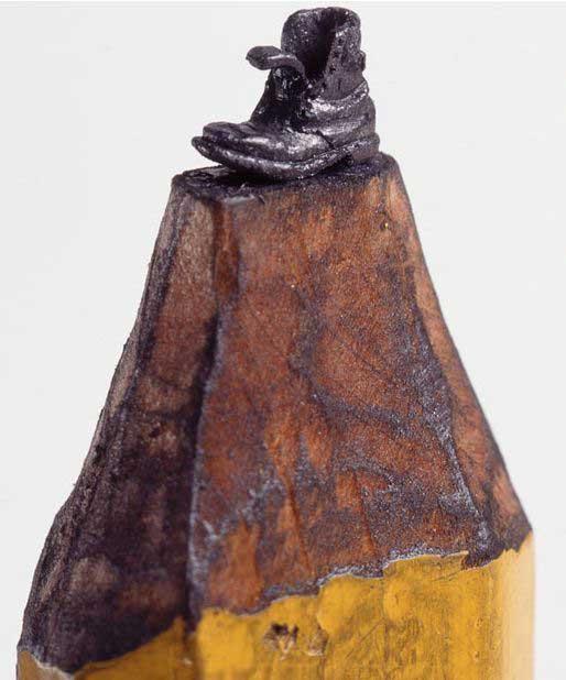 esculturas en mina de lápiz, bota