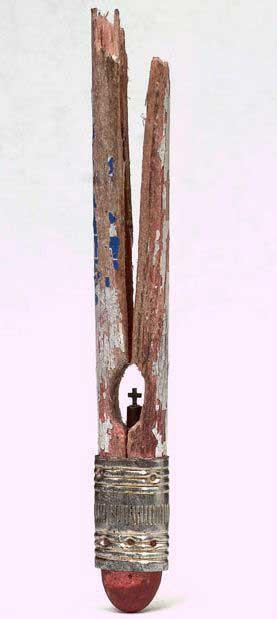 esculturas en mina de lápiz, cruz