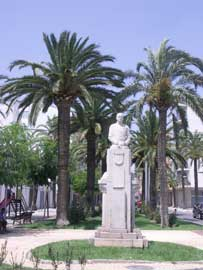 estatua del Marques de Benicarló