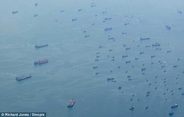 flota fantasma del puerto de Singapur