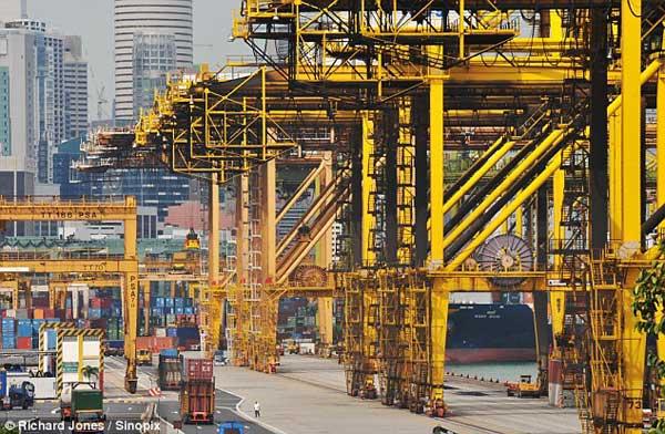 gruas en el puerto de Singapur
