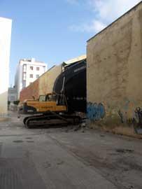 inicio del derribo antiguo astillero Orero en Benicarló
