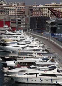 yates en la marina de Valencia street circuit