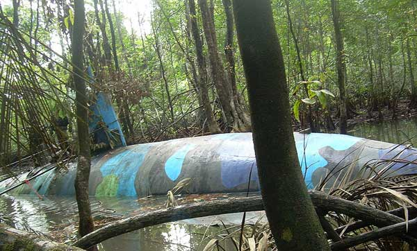 narco-submarino encontrado en la selva de Ecuador