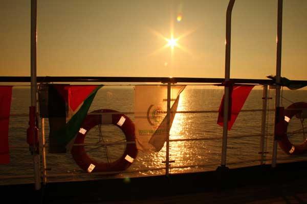 puesta de sol hacia Gaza, Flotilla de la Libertad