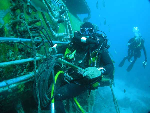 astronautas estación submarina aquarius