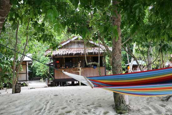 bungalows, dive resort Papua, Scubasigns