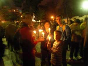 hora planeta wwf, retiro madrid, familia con velas