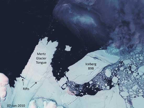 iceberg nacido de la lenguadel glaciar Mertz