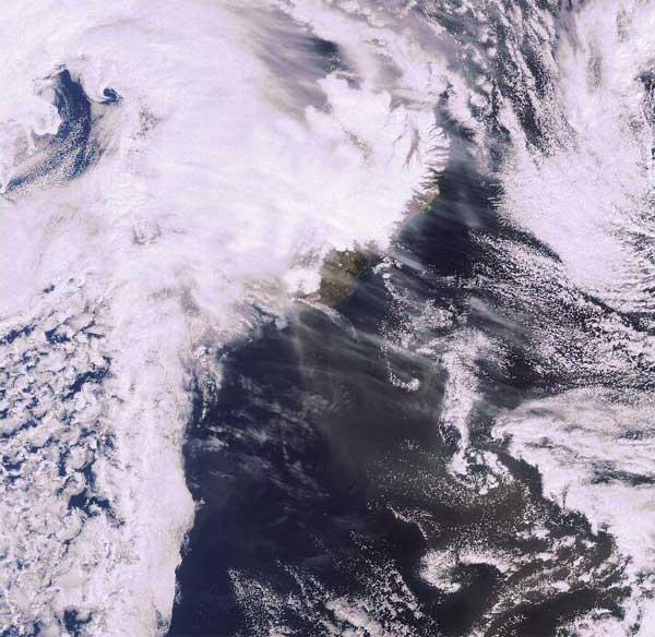 imagen satelite ESA volcán Islandia 20-04-2010
