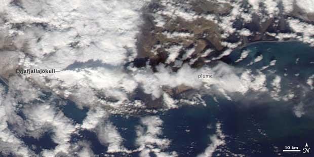 imagen satelite Terra erupción volcán Islandia, 14-04-2010
