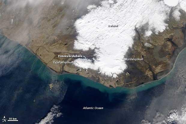 imagen satelite Terra erupción volcán Islandia, 26-03-2010