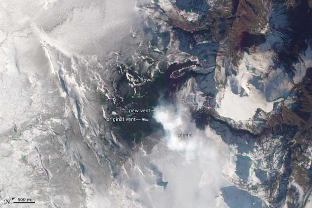 imagen satelite Terra erupción volcán Islandia, 04-04-2010