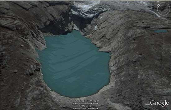 lengua del glaciar sobre la laguna 513, Hualcan