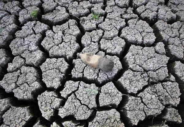 tierra reseca en el lago de las Canoas, Nicaragua