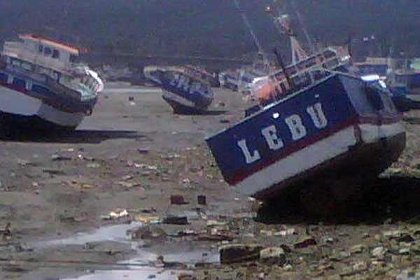 tsunami Chile, ciudad de Lebu, desplazamiento barcos