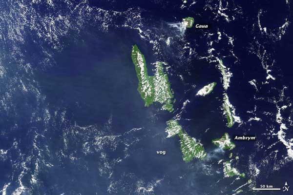 volcanes Gaua y Ambrym