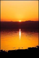 mar muerto puesta de sol