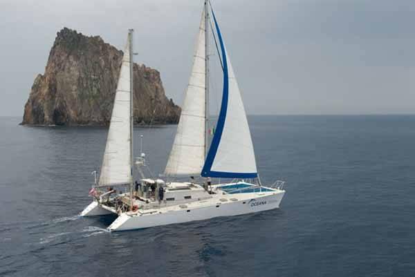 Catamarán Oceana Rangers