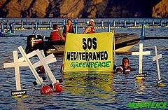 SOS Mediterraneo, protesta de Greenpeace