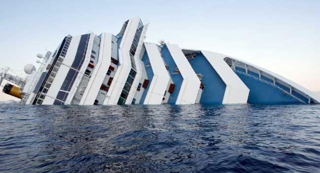 El Costa Concordia volcado