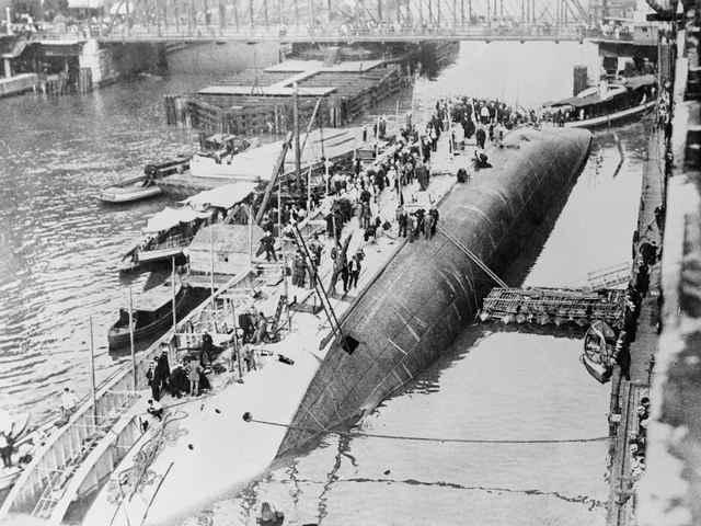 El desastre del Eastland mató a más pasajeros que el Titanic y el Lusitania (y II)