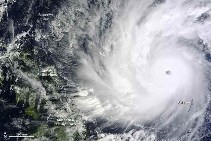 Súper tifón Hagupit/Ruby desde el espacio