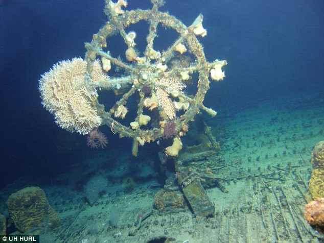 Encontrado 'barco fantasma' intacto frente a las costas de Hawái