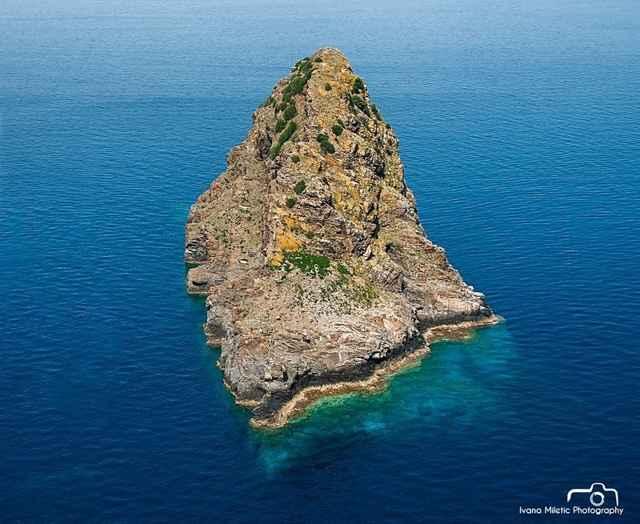isla Jabuka